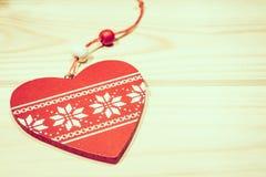 Giocattolo di legno degli ornamenti di Natale con il nastro Fotografie Stock Libere da Diritti