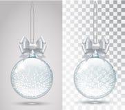 Giocattolo di vetro di Natale su un fondo trasparente Immagini Stock