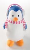 giocattolo o pinguini fatti a mano divertenti del giocattolo su fondo fotografia stock
