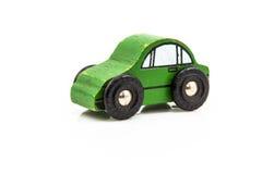 Giocattolo verde di legno dell'automobile Fotografia Stock