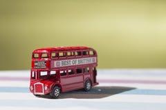 Giochi che rappresenta l'autobus a due piani classico di rosso di Londra Fotografie Stock Libere da Diritti