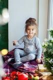 Giochi da bambini sul davanzale Fotografia Stock