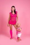 Giochi della mamma con il suo figlio Fotografie Stock