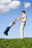 Gioco con il padre 9 Immagini Stock Libere da Diritti