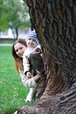 Gioco con la madre 3 Fotografie Stock