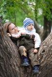 Gioco con la madre 4 Fotografia Stock