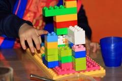Gioco con Lego Fotografia Stock Libera da Diritti
