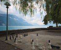 Gioco degli scacchi alla passeggiata di Brienz (alpi di Bernese), la Svizzera Fotografie Stock