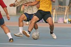 Gioco del calcio della via Fotografia Stock