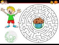 Gioco del labirinto del fumetto con il ragazzo ed il muffin illustrazione vettoriale