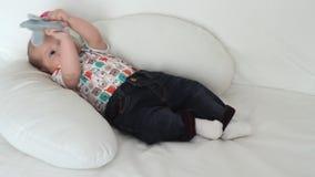 Gioco del neonato stock footage