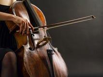 Gioco del violoncello Immagini Stock Libere da Diritti