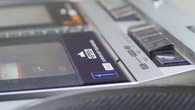 Gioco dell'audio cassetta stock footage