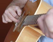 Gioco della chitarra Fotografia Stock Libera da Diritti