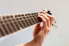 Gioco della chitarra elettrica Fotografie Stock