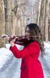 Gioco della ragazza violine Fotografie Stock Libere da Diritti