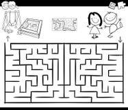 Gioco di attività del labirinto con i bambini ed il campo da giuoco illustrazione vettoriale