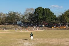 Gioco di baseball in pista, Yucatan, Messico fotografia stock libera da diritti