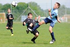 Gioco di calcio U13 fotografie stock