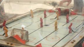 Gioco di hockey della tavola del giocattolo di Oldschool video d archivio
