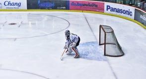 Gioco di hockey su ghiaccio Fotografie Stock Libere da Diritti