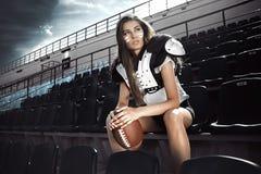 Gioco di rugby della ragazza Fotografia Stock