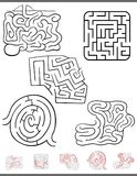 Gioco di svago del labirinto messo con le soluzioni Immagini Stock