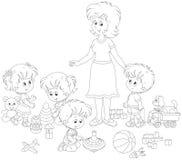 Gioco i bambini e della mæstra d'asilo Immagine Stock