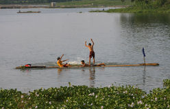 Gioco nell'acqua Fotografia Stock Libera da Diritti