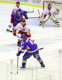 gioco Ucraina dell'Ghiaccio-hockey contro la Polonia Fotografie Stock