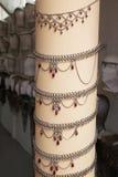 Gioielli del boutique degli accessori di modo delle donne immagini stock