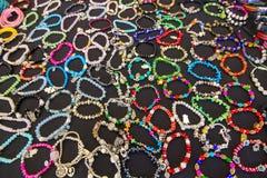 Gioielli economici dei braccialetti Fotografie Stock