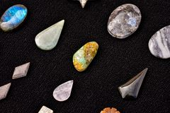 Gioiello prezioso della pietra della roccia dei semi Immagini Stock Libere da Diritti