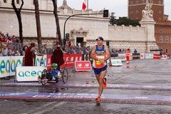 Giorgio Calcaterra ankomst på mållinjen Royaltyfri Bild