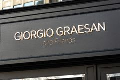 Giorgio Graesan και κατάστημα φίλων στοκ φωτογραφία με δικαίωμα ελεύθερης χρήσης