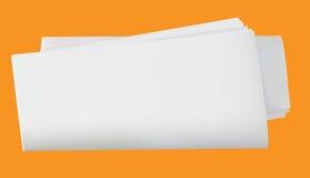 Giornale in bianco rotolato illustrazione di stock