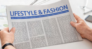 Giornale con lo stile di vita ed il modo del titolo Fotografia Stock Libera da Diritti