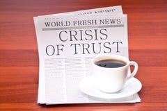 Giornale e tazza di caffè Fotografia Stock Libera da Diritti