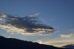 Giorni albeggianti sopra Velebit immagine stock libera da diritti
