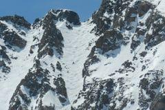 Giorno blu dell'uccello del bacino del Arapahoe: Snowboard il Coulior immagini stock
