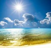 Giorno caldo in una spiaggia Fotografia Stock Libera da Diritti