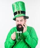 Giorno dei patricks del san della parte integrante del consumo dell'alcool Scopra la cultura Tradizione irlandese Pantaloni a vit immagine stock