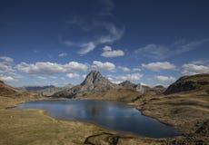 Giorno del lago midi D'Ossau Fotografie Stock