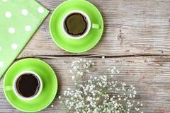 Giorno del ` s del biglietto di S. Valentino della st, data, amore, due tazze di caffè Fotografie Stock