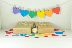 Giorno del ` s del biglietto di S. Valentino della st, regali variopinti Immagini Stock