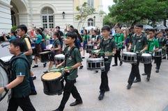 Giorno del ` s di San Patrizio che tamburella la banda di musica Immagine Stock
