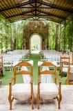 Giorno delle nozze in una cappella affascinante Fotografie Stock