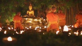 Giorno di Asalha Bucha, Chiangmai, Tailandia archivi video
