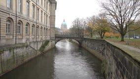 Giorno di autunno di Fggy a Hannover Bassa Sassonia archivi video