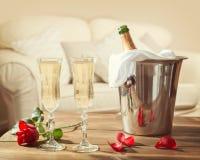 Giorno di biglietti di S. Valentino Champagne Fotografia Stock Libera da Diritti